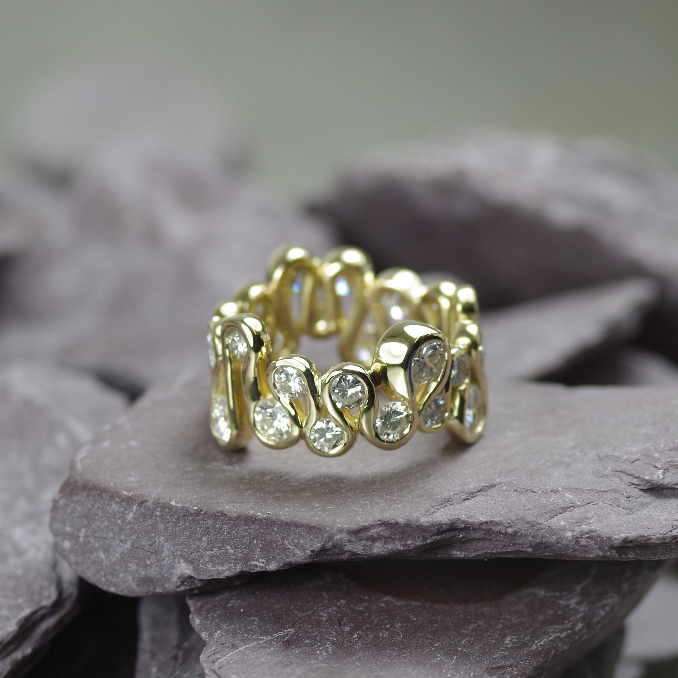 18ct Gold sculptural ring set with twenty eight brilliant cut Diamonds (ref ET006)
