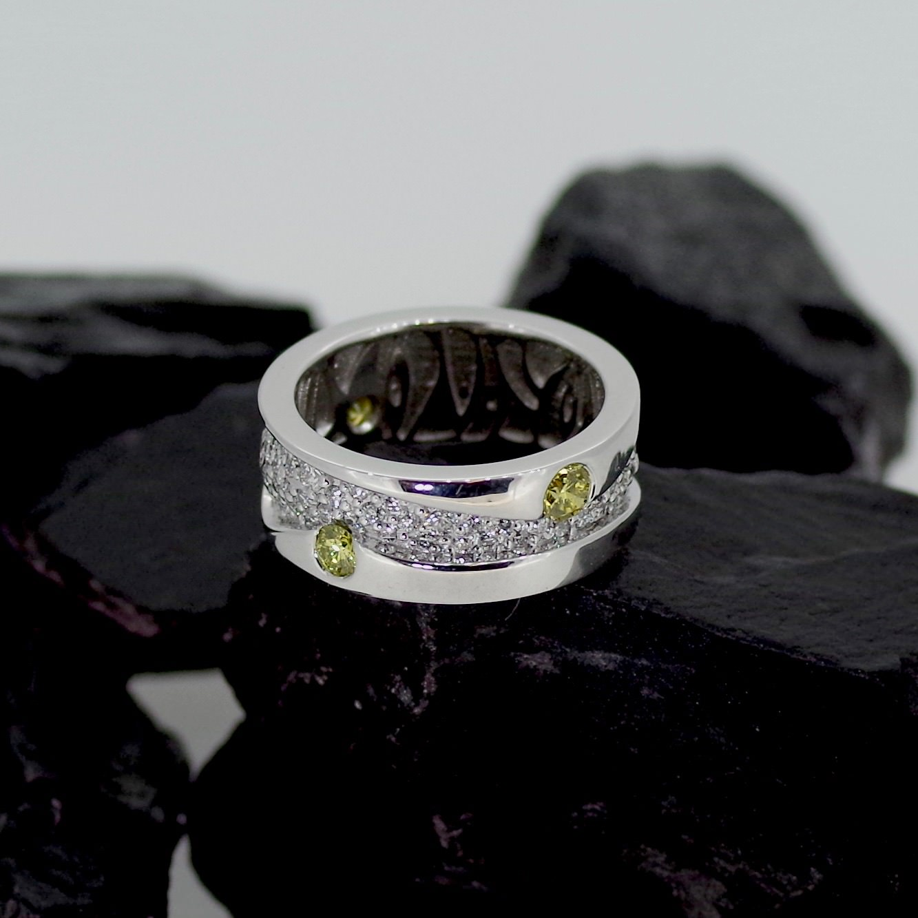 Sanderson ring set with three yellow Diamonds and one hundred & six pave set Diamonds (ref ET005)