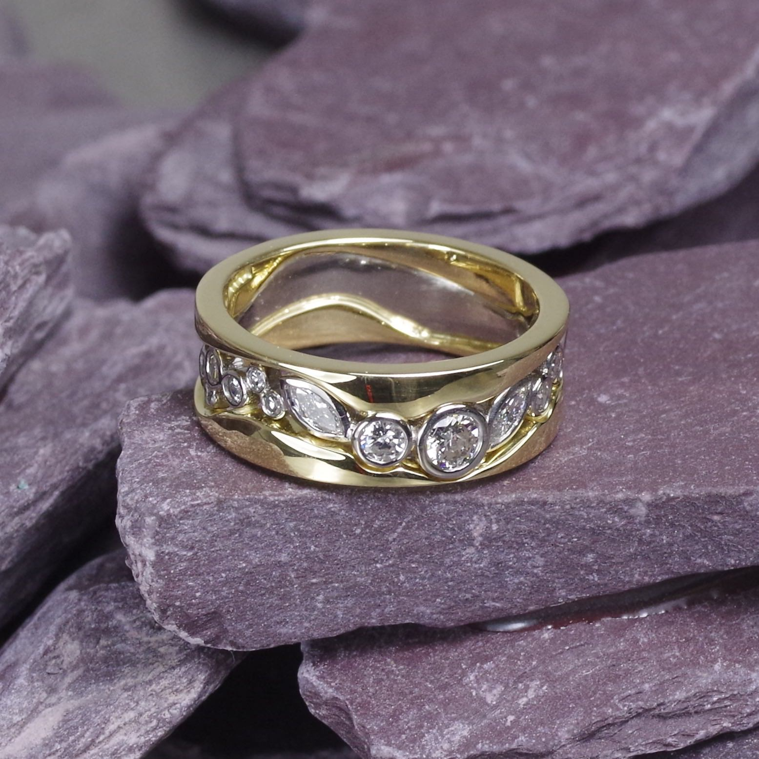 18ct white & yellow Gold ring set with marquise and brilliant cut Diamonds (ref ET007)