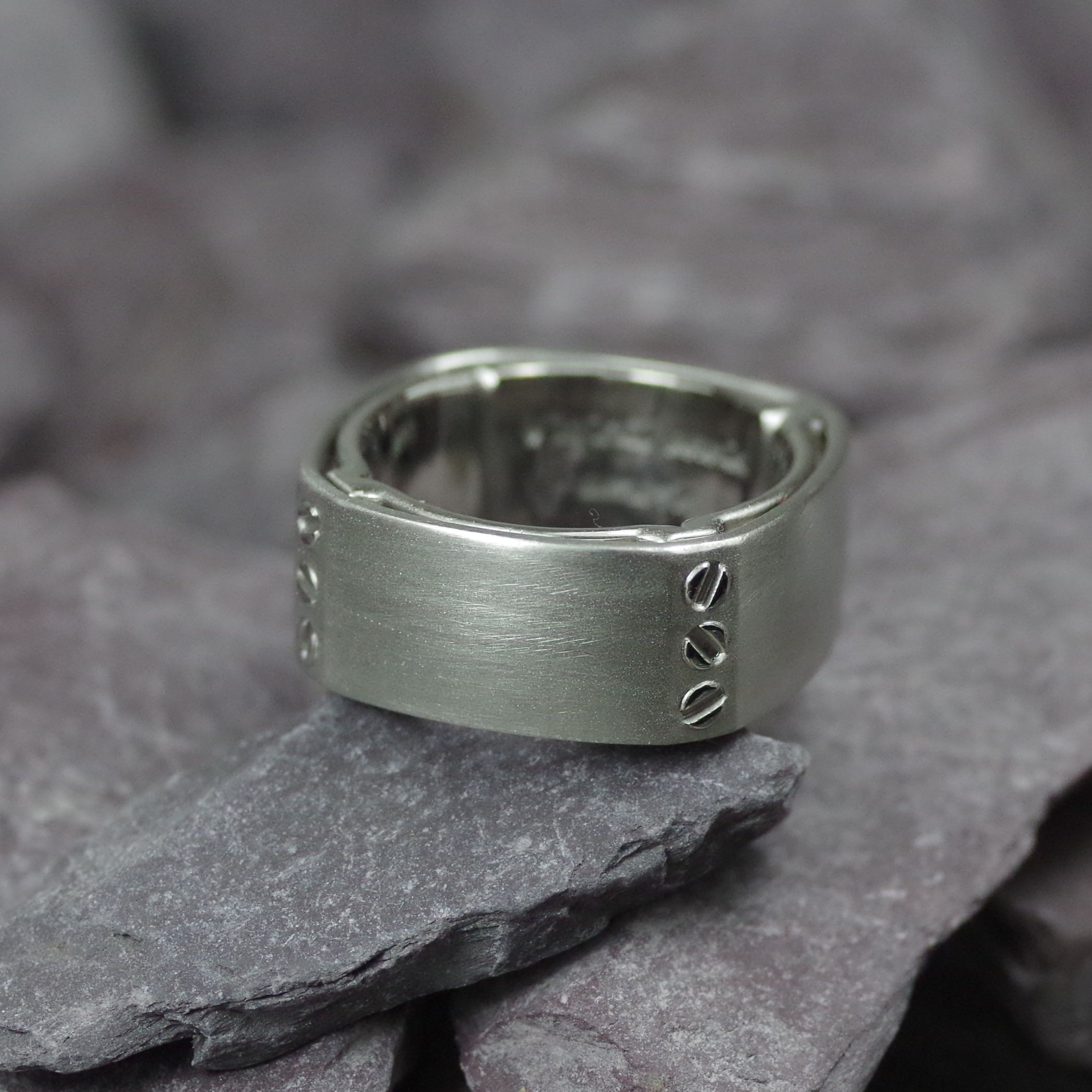 Chunky Palladium gents ring with screw detailing (ref WR007)